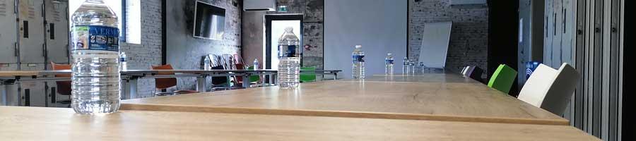 salle de réunion organisation des événements d'entreprise post confinement mesures sanitaires 1m de distance